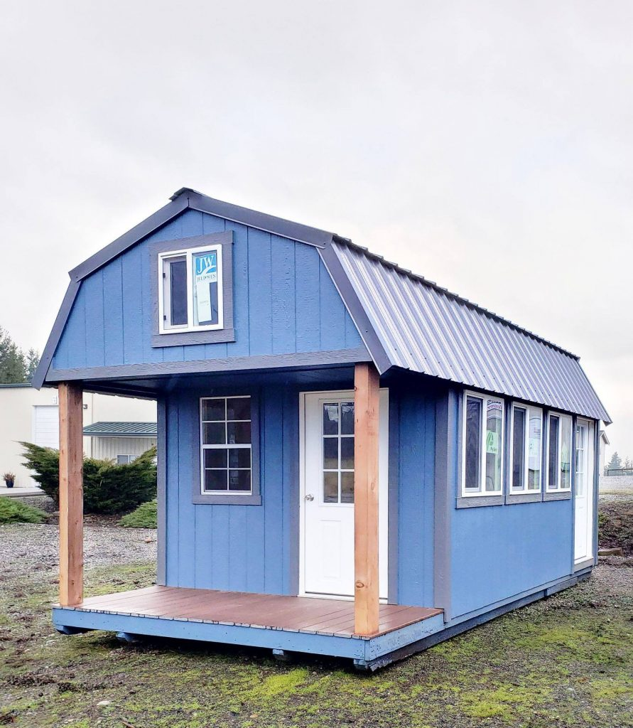 The Winthrop | Blue Cabin with Wood Columns | Heritage Portable | Washington